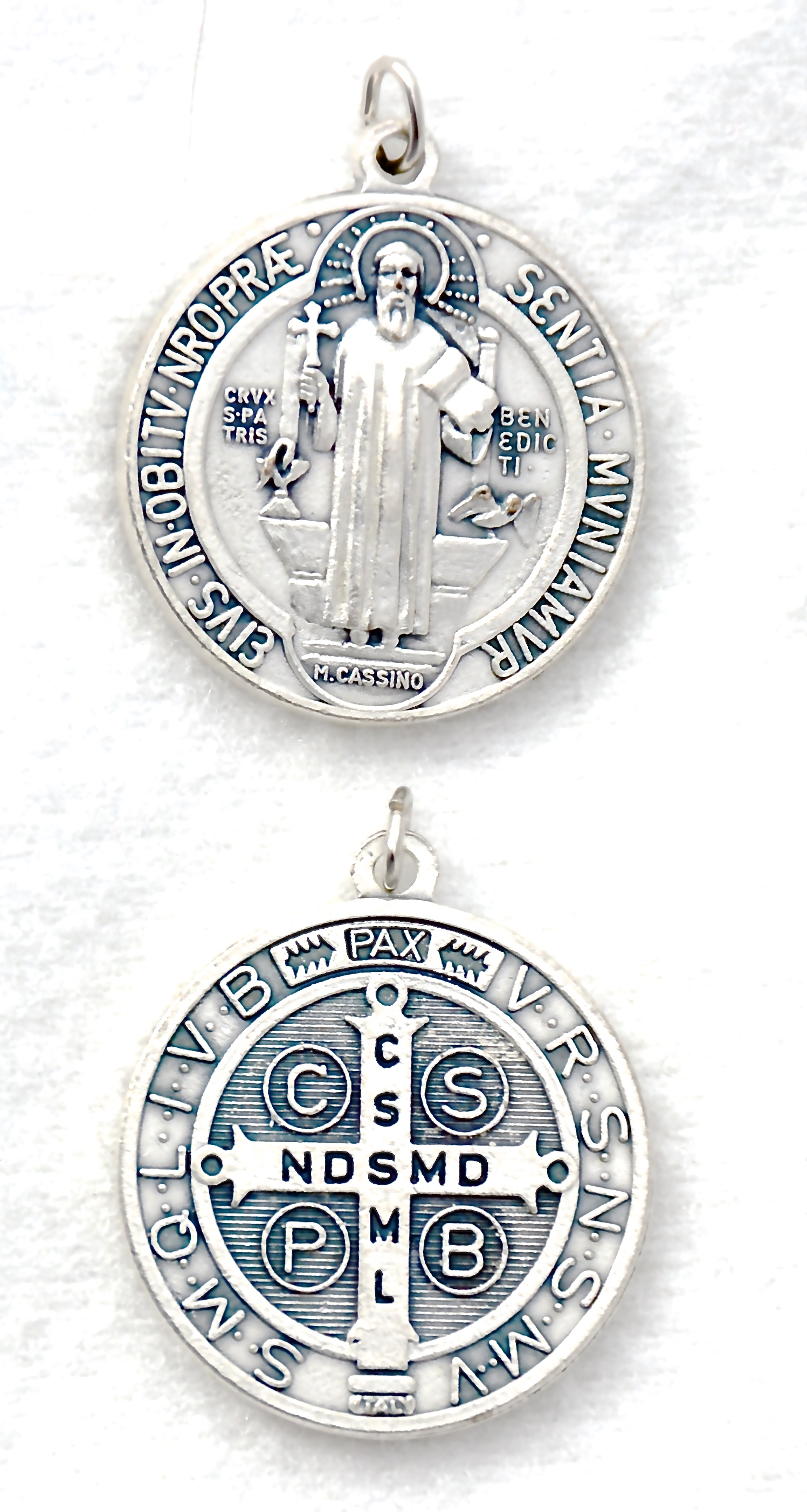 large st medal medallion benedict product color